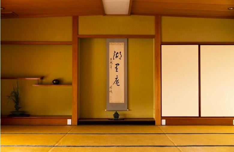 【モテる宿にはワケがある】  琵琶湖畔の一軒宿で、文人も愛した絶品の鮒寿し懐石を味わう